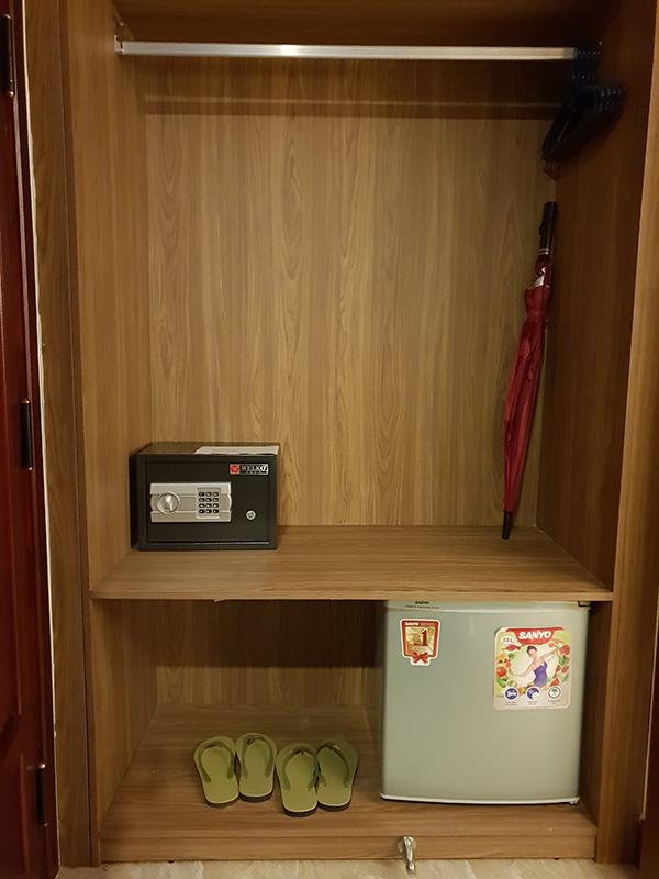 Min safe